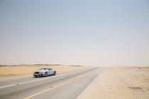 bentley-continental-gt-races-a-train-across-saudi-arabia_02