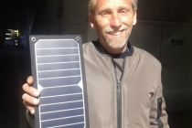caricabatteria_solare_iphone_01