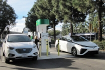 toyota-mirai-hydrogen-fuel-cell-car-newport-beach
