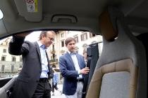 UFFICIO STAMPA COMUNE DI FIRENZE 16092017 la bmv italia  consegna  un auto elettrica al comune di firenze STUDIO ASSOCIATO CGE FOTOGIORNALISMO