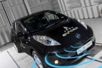 nissan_leaf_compleanno_05