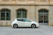 nissan_leaf_compleanno_06