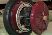 lohner-porsche_electric_wheel_hub_motor_porsche_museum