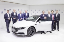 media-annual-session-brand-vw_db2017al00437