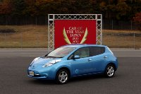 nissan_leaf_car_of_the_year_2012_japan_01