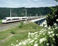 bombardier_green_train_02