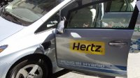 hertz_rental_electri_car_01