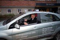 Die Brennstoffzelle erobert Skandinavien - Fabian Stang, Bürgermeister von Oslo testet die B-Klasse F-CELL