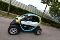 charles_pic_renault_twizy_03