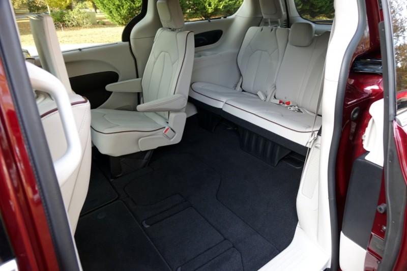 chrysler pacifica hybrid 2017 primo drive di plug in minivan ibrido electric motor news. Black Bedroom Furniture Sets. Home Design Ideas