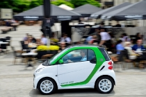 smart electric drive erobert China //  smart electric drive arrives on the streets of China