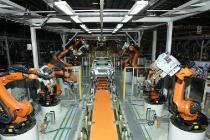 DENZA: Body-in-white production with welding robots in the Shenzhen production facilities // DENZA: Rohbauproduktion mit Schweiß-Robotern im Produktionswerk Shenzhen