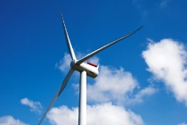 Für den dänischen Energieversorger DONG Energy liefert Siemens 97 Windenergieanlagen mit einer Leistung von je sechs Megawatt (MW) und einem Rotordurchmesser von 154 Metern. Die Gesamtleistung der Projekte Gode Wind 1 und Gode Wind 2 beträgt 582 Megawatt. Dies wird ausreichen, um rund 600.000 deutsche Haushalte mit sauberem Strom zu versorgen. Das Bild zeigt die SWT-6.0-154 im dänischen Oesterild.  Siemens has received a further order for two German offshore wind power plants: The company will supply 97 wind turbines, each with a rating of six megawatts (MW) and a rotor diameter of 154 meters, to the Danish energy provider DONG Energy. The total capacity for the Gode Wind 1 and Gode Wind 2 projects is 582 megawatts, enough to supply around 600,000 German households with eco-friendly power.