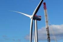Siemens hat im Oktober 2013 eine marktreife Version seiner neuen getriebelosen 6-Megawatt (MW) Windturbine auf dem Testgelände des Energieversorgers SSE (Scottish and Southern Energy) installiert. Die Windenergieanlage des Typs SWT-6.0-154 hat einen Rotordurchmesser von 154 Metern und arbeitet mit modernster Direktantriebstechnik.  On October 2013, Siemens has installed a market-ready version of its new 6 megawatt (MW) gearless wind turbine on the test site of the power utility SSE, the UK's largest generator of renewable energy. The turbine of the type SWT-6.0-154 with 154 meter rotor diameter offers cutting-edge direct drive technology.