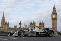 4-formula-e-is-the-worlds-first-fully-electric-race-series