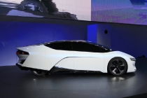 honda-fcev-concept-2013-los-angeles-auto-show_100447341_l