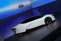 honda-fcev-concept-2013-los-angeles-auto-show_100447342_l