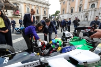 2017/2018 FIA Formula E Championship. Street Demonstration - Rome, Italy. Lucas Di Grassi (BRA), Audi Sport ABT Schaeffler, Audi e-tron FE04. Thursday 19 October 2017. Photo: Malcom Griffiths/LAT/Formula E ref: Digital Image IMG_8970