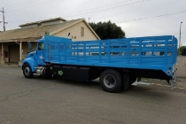 pacific_gas_electric_plug-in_hybrid_class_6_truck_02
