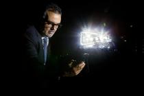 il-centro-tecnico-seat-festeggia-il-40-anniversario_iluminacion-tunel-optico
