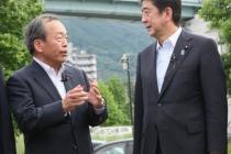 primo_ministro_giapponese_shinzo_abe_toyota_02