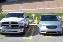 ram_1500_plug-in-hybrid_pickup-truck_and_chrysler-_town