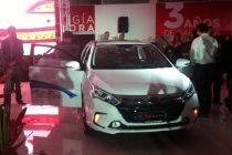 byd-qin-plug-in-hybrid-in-showroom-in-costa-rica