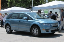 chinese-battery-electric-crossover-byd-e6-test-drive-los-angeles
