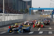formula-e-cars-in-action-from-a-previous-race