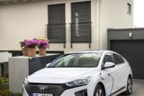hyundai_ioniq_hybrid_plug-in_electric_motor_news_11