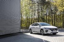 hyundai_ioniq_hybrid_plug-in_electric_motor_news_13