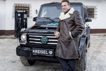 arnold_schwarzenegger_kreisel_mercedes_g-class_electric_01