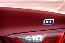 The 2016 Chevrolet Malibu Hybrid is projected to offer an unsurpassed combined fuel economy rating of 47 mpg, higher than the combined ratings of the Ford Fusion, Toyota Camry and Hyundai Sonata hybrid variants.