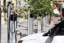 greenspot-electric-car-charging-station_100578782_l