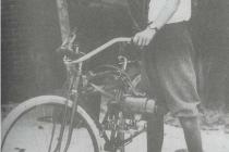 howard-hughes-bici-motore