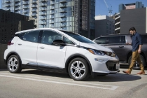 2017-chevrolet-bolt-ev-added-to-maven-car-and-ride-sharing-fleet-in-los-angeles-california_100593161_l