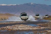 range_rover_hybrid_via_della_seta_2013_02