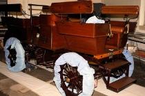 custom-u-s-capitol-1909-studebaker-electric-car-under-restoration-at-pennsylvania-college-of-tech_100610516_l
