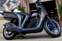mahindra-genze-electric-scooter_02