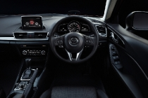mazda_3_heads-up_cockpit