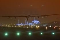 Solar Impulse Landing in Abu Dhabi