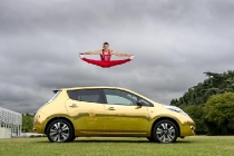 nissan-ambassador-max-whitlock-receives-his-gold-all-electric-nissan-leaf-2