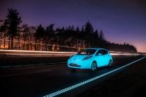 nissan_leaf_fluorescente_autostrada_luminiscente_01