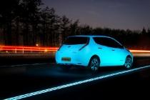 nissan_leaf_fluorescente_autostrada_luminiscente_02