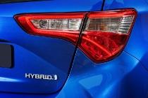 nuova_toyota_yaris_hybrid_13