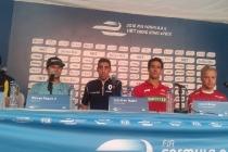 press_conference_piloti