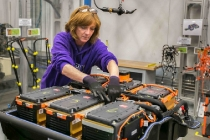 battery-pack-assembly-for-2015-chevrolet-spark-ev-electric-car-at-gms-brownstown-michigan-plant_100466967_l