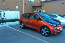 bmw_i3-_rex_charging_at_oaks_hotel_paso_robles_california