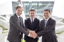 oliver-blume-chairman-of-the-executive-board-of-dr-ing-h-c-f-porsche-ag-alejandro-agag-founder-ceo-of-formula-e-michael-steiner