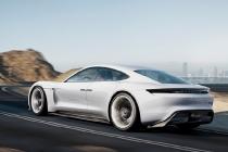 porsche_mission_e_concept_car_02